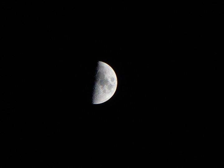 Fotos de Luna cuarto creciente