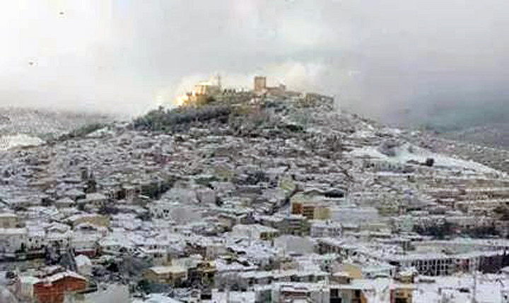 Fotos de alcal la real nevada for Piscina cubierta alcala la real